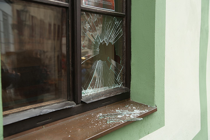 A2B Glass are able to board up broken windows while they are being repaired in Twickenham.